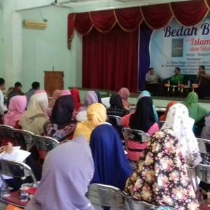 Dosen Universitas Wahid Hasyim: Kelompok Islamis Bergerak di Jalur Ganda